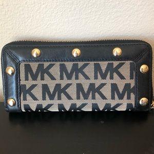 Michael Kors Logo Wallet!